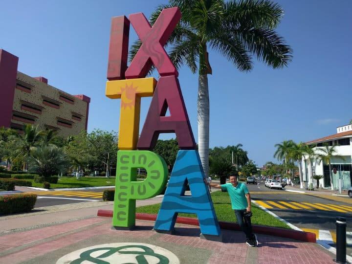 Letras monumentales, Ixtapa, Guerrero
