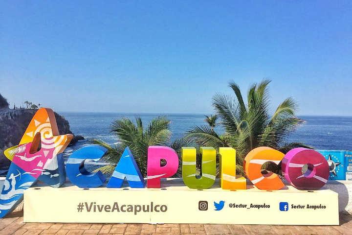 Letras monumentales Acapulco Guerrero.Foto.Twitter.2.