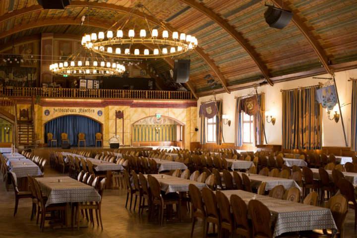 Se dice que justamente en este salón estuvo Hitler.Foto.Einfach München.7