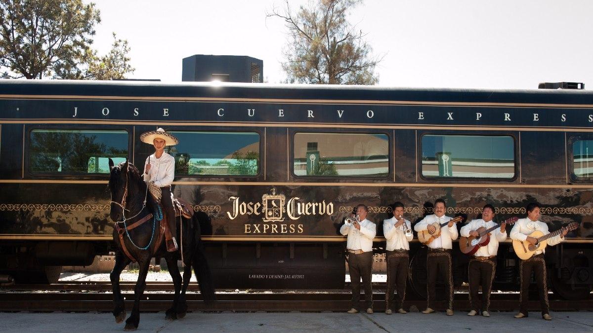 Tren de José Cuervo express portada