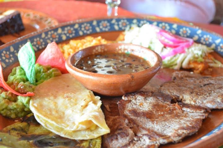 Platillos mexicanos con nombre de su origen