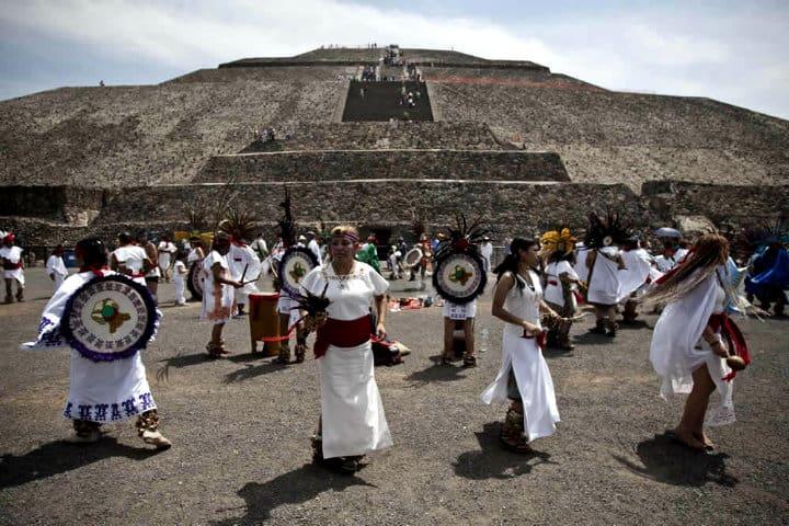 Equinoccio-en-Teotihuacan (2)