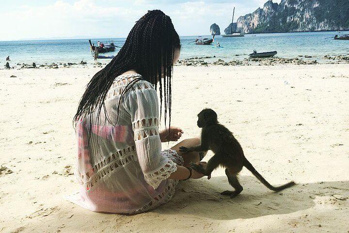 ¿Quieres ser mi amiga?. Famosa playa de monos en Tailandia. Foto: jessi_asuna Instagram