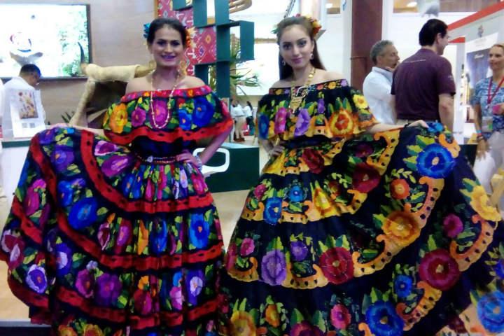 Chiapas – Mujeres con traje típico