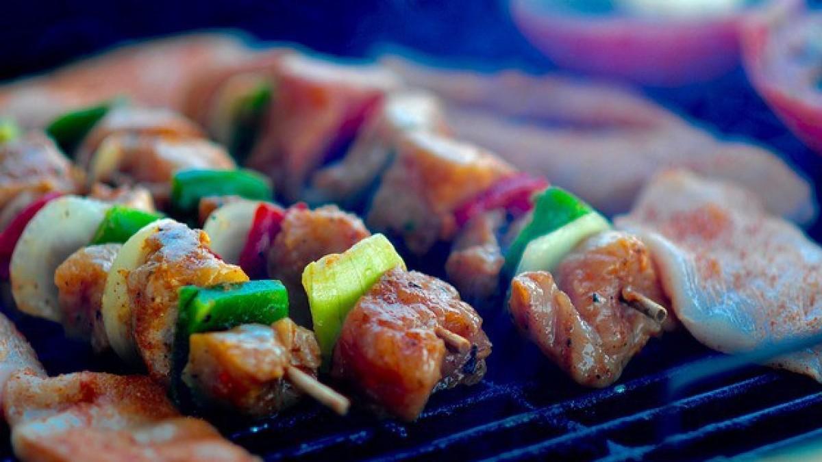 barbecue-933002_640-1-1280×720 (1)
