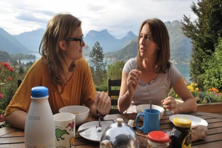 talktalkbnb-language-tourism-p2p