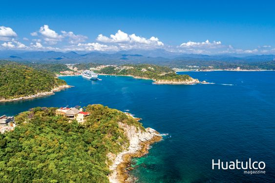 Podcast Huatulco. Foto de huatulco magazzine