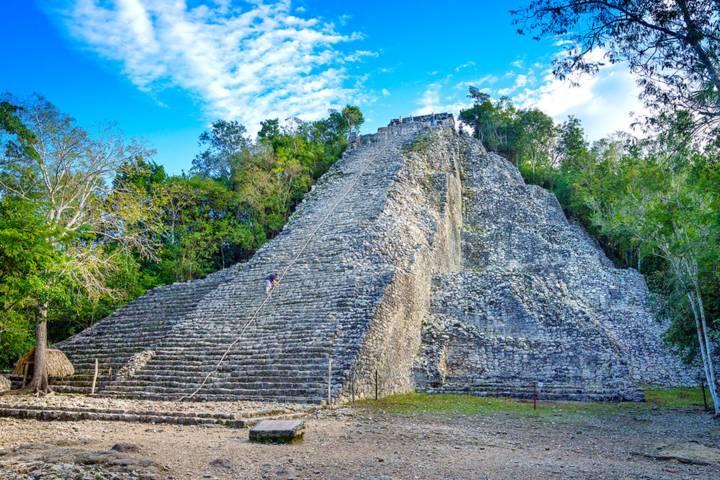 Ciudad Maya Cobá. Foto. Excursiones Riviera Maya