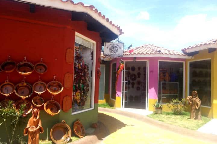 metepec mercado artesanias Foto Breiko P
