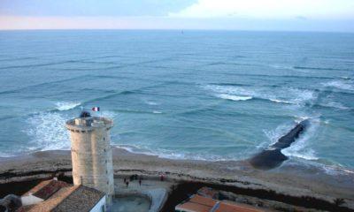 Portada olas cuadradas isla Re. Foto. Archivo