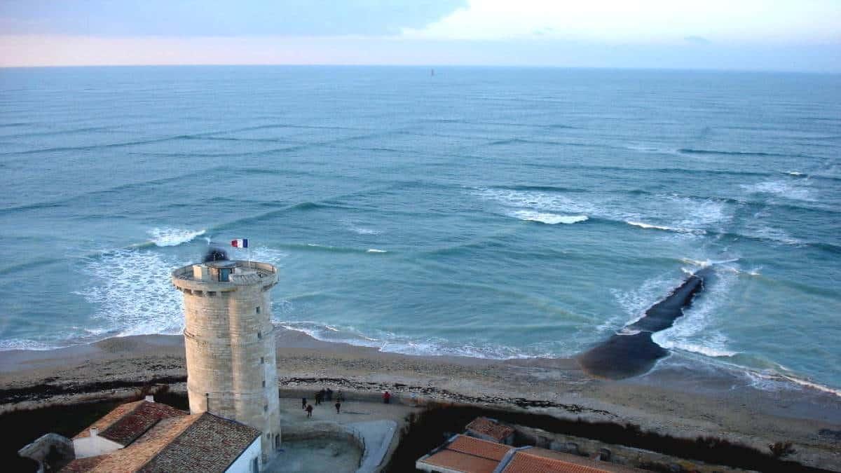 Insolitas-olas-cuadradas-isla-Re