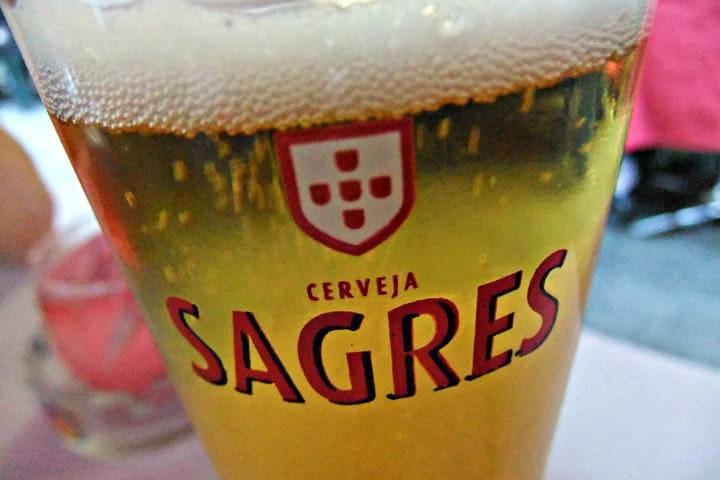 Portugal, cerveza Sagres. Foto Archivo