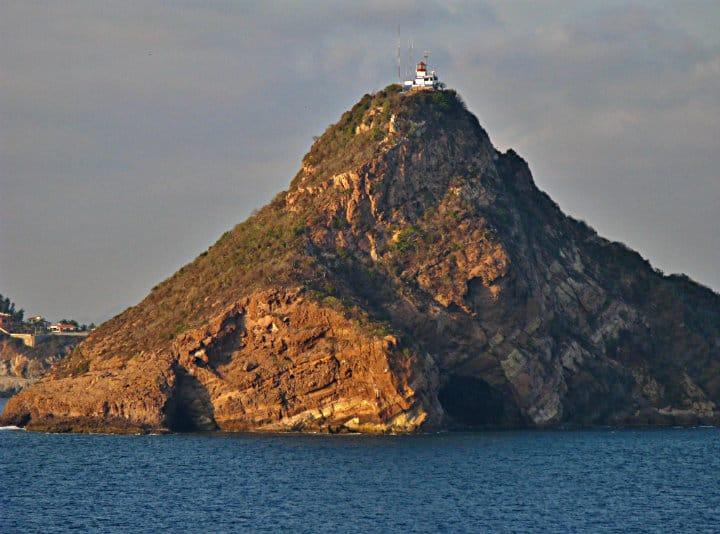 FARO DE MAZATLÁN-ISLA DE CRESTÓN