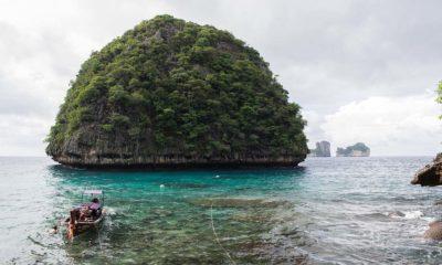 Portada phuket. Foto. Pen ash