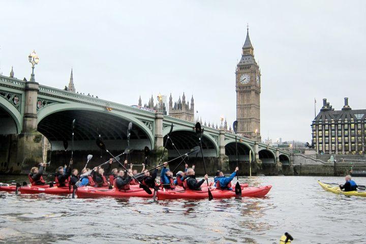 Hoteles Foto: Recorriendo Londres en kayak