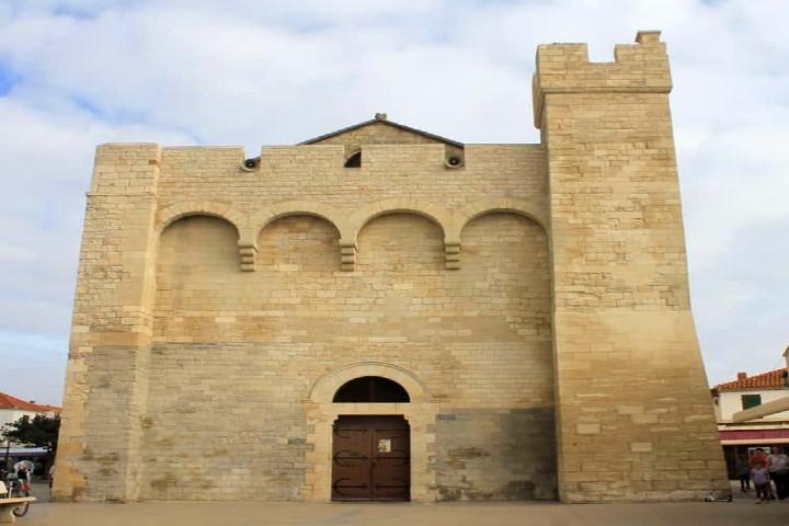 Iglesia de Sara la negra o Nôtre Dame de la Mer. Foto Archivo.