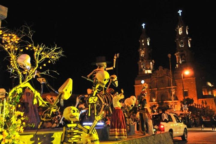 Festival de calaveras. Foto: Entre Fans.
