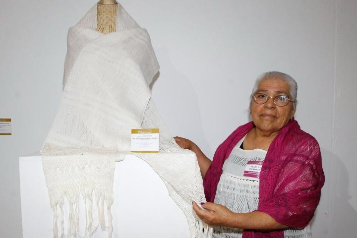 Maria del Carmen Gutierrez, Rebozo, Morelia, Michoacán. Foto_ FONART.