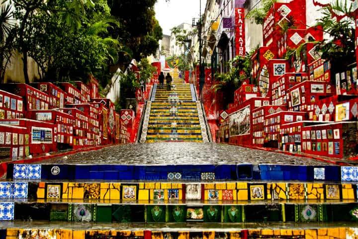 Ciudades colores escadaria selaron Foto Collectif Les Enfants