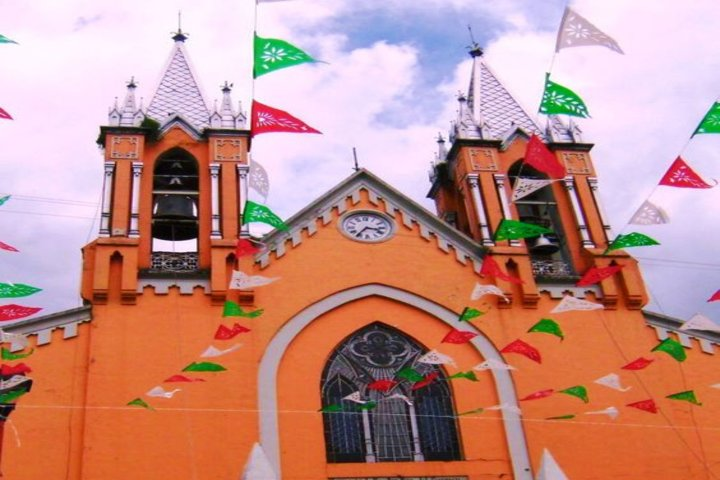 Parroquia de Santa Ana en Chiautempan. Foto Enrique López.