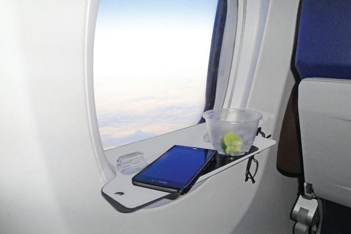 Practical Travel Gear Foto: gadgets para un vuelo comodo