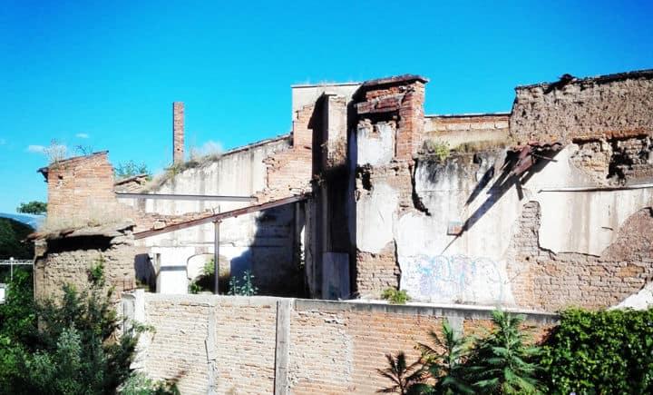 Destilerías abandonadas. Foto: Archivo
