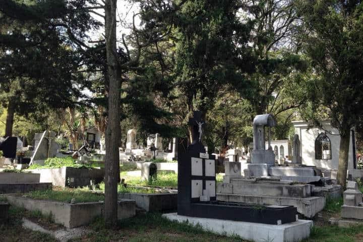 8 encantadores panteones de la cdmx el souvenir for Cementerio jardin
