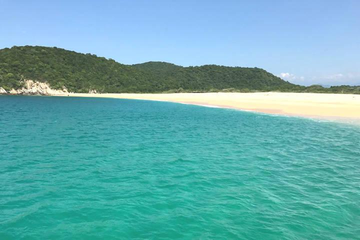 Playas Mexicanas-Bahía Cacaluta, Huatulco. Foto Fahad Hizam