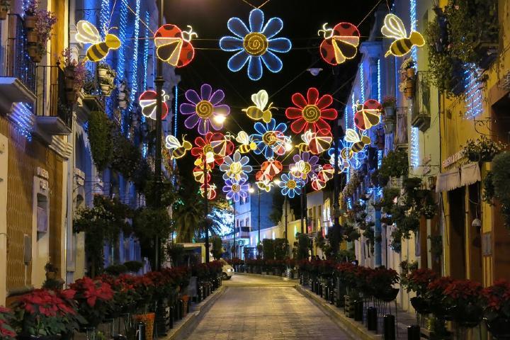 City Express Foto: Podcast: Pueblos Mágicos para hacer compras navideñas
