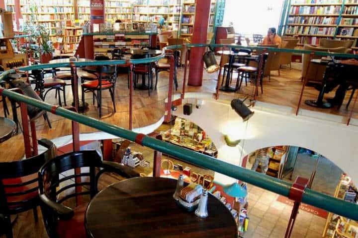 Otoño CDMX Cafebrería El pendulo Foto Cafebrería 1