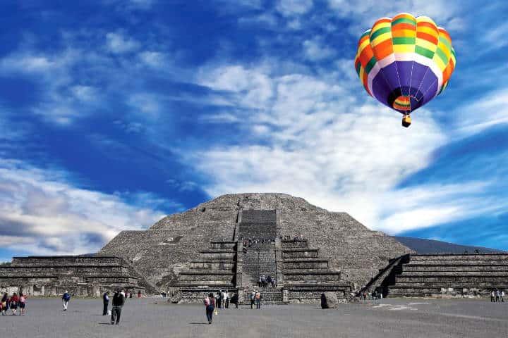 Escapadas Románticas Vuelo en Globo Teotihuacán foto Archivo