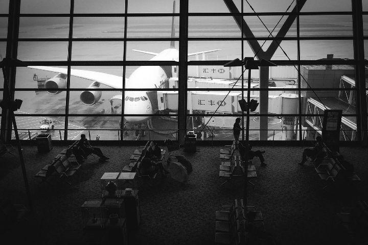 Películas en el avión te hacen llorar más. Foto Pexels