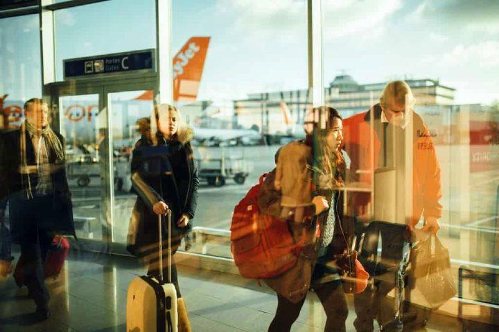 Viajar en avión. Foto Free-photos.
