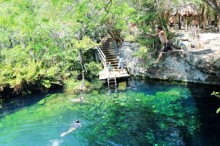 Cenote-y-diversión-Foto-Holbox-Collection-14