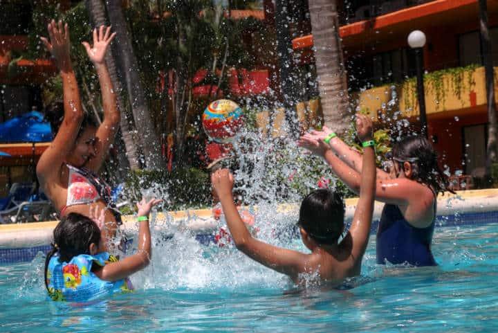 Ixtapa Zihuatanejo Kids-Pool Foto IZ
