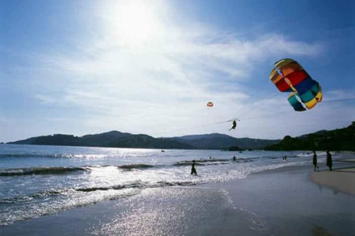 Ixtapa Zihuatanejo parachute