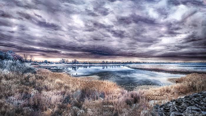 Lago dentro de la zona de exclusión / Vladimir Migutin