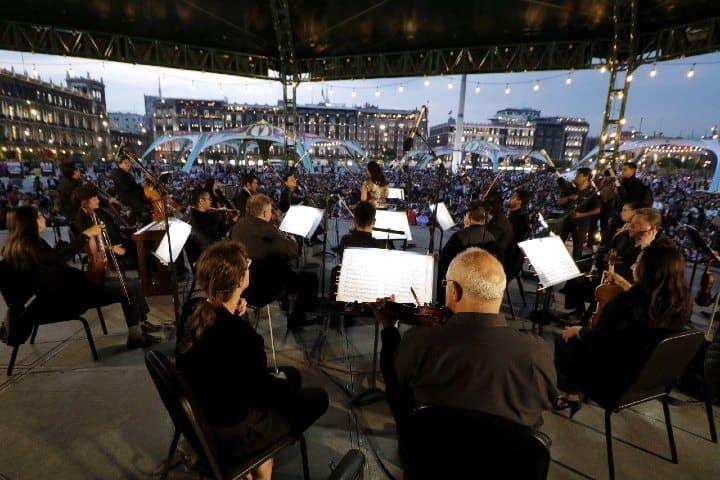 Una-ovación-a-la-obra-maestra-Beethoven-en-el-Zócalo-Foto-Mugs-Noticias-2