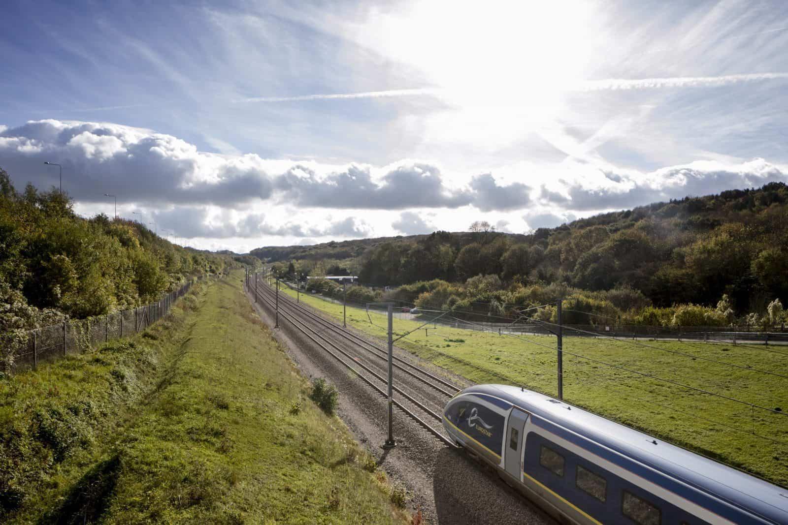 Eurostar viajando por la campiña ok