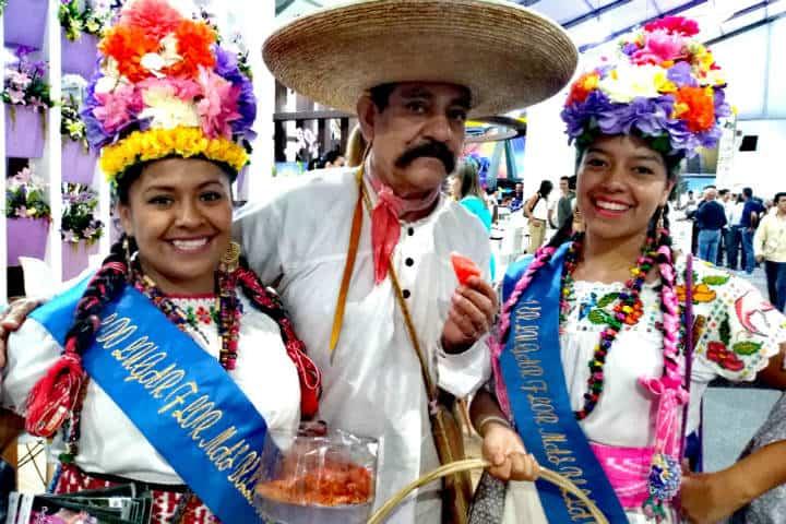 Tianguis Turístico Personajes Morelos Foto Luis Juárez