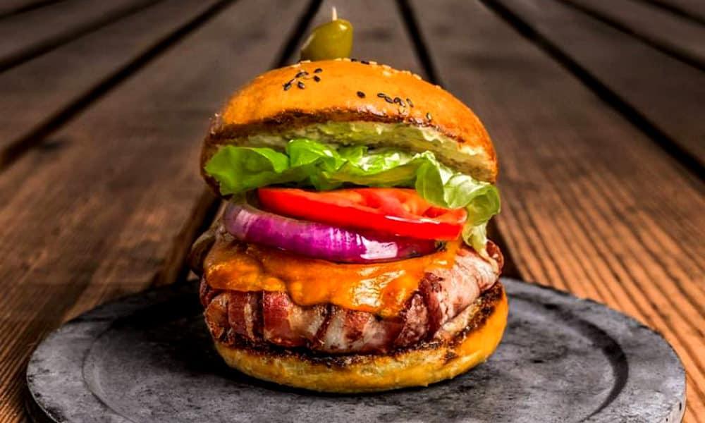 Comer rico y barato en Playa del Carmen Mu Burgerhouse