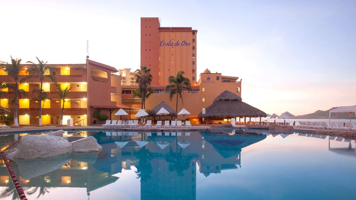 hotel-costa-oro-