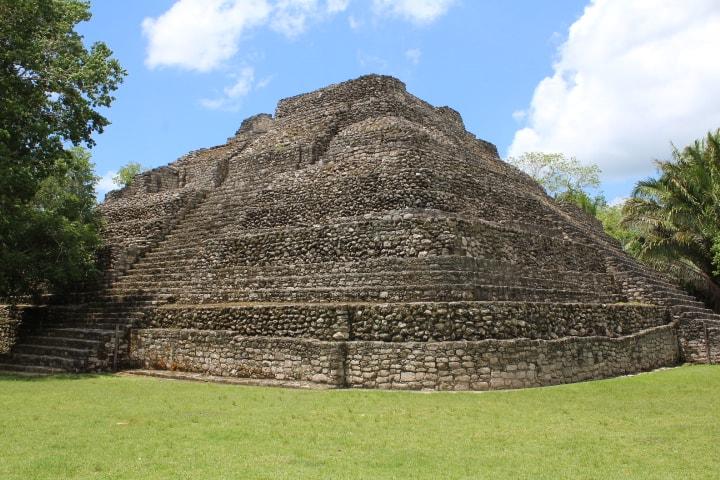 Zona-arqueologica-chacchoben-templo-24