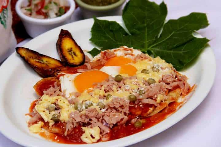 Comida Yucateca La Chaya Maya Huevos motuleños