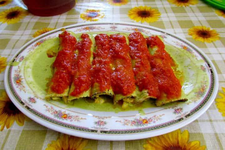 Comida yucateca Papatzules Foto Archivo