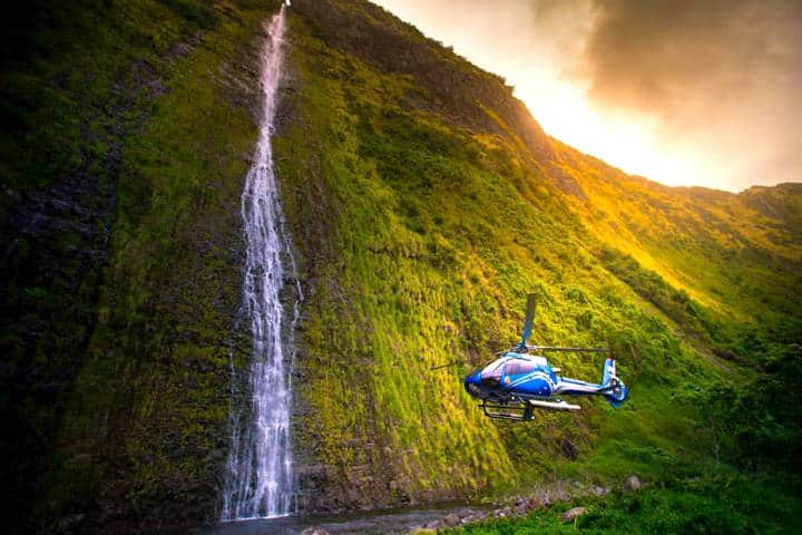 Hawaii-en-helicóptero-Foto-Blue-Hawaiian-1