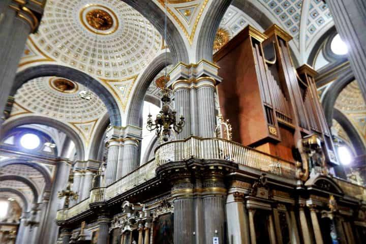 Construcciones lujosas en México Catedral Puebla Foto Alejandro Moreno