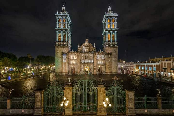 Construcciones lujosas en México Catedral Puebla Foto Enrique Noriega