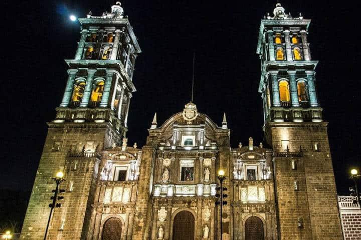 Construcciones lujosas en México Catedral Puebla Foto Roger Achach