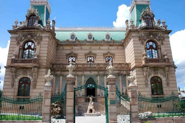 Construcciones lujosas en México Foto CUUQG 1